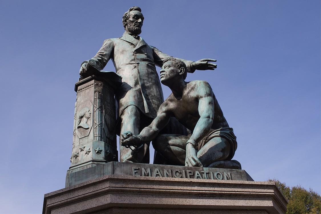 Lincoln Emancipation Statue (Picture Taken From: https://hypebeast.com/2013/1/lincoln-mkc-crossover-concept)